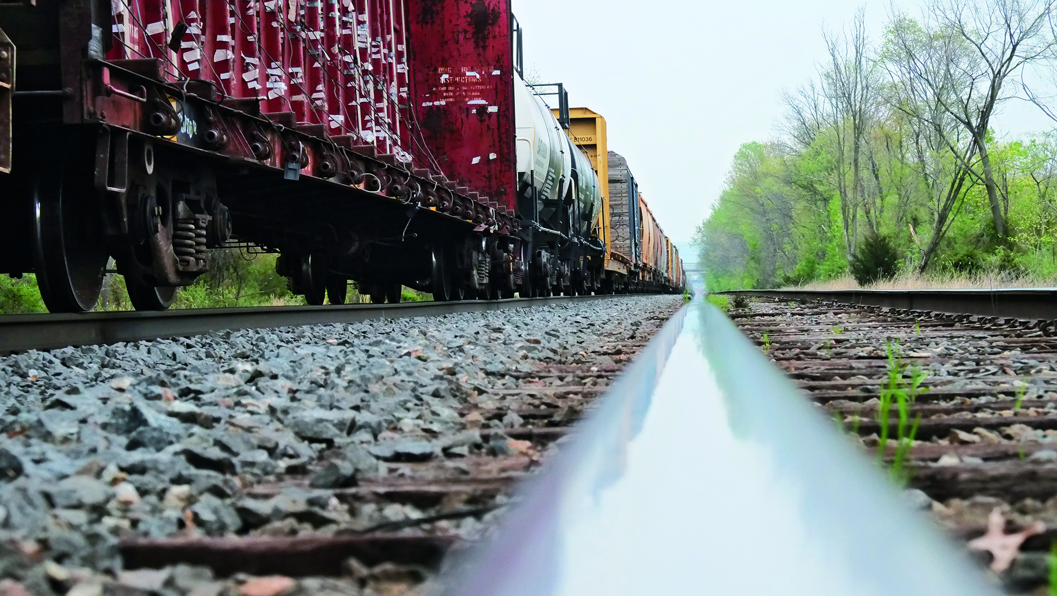 Railfreight-cars_low-POV_track_1005_2100px.jpg